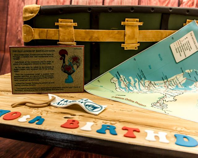 Travelling Trunk cake
