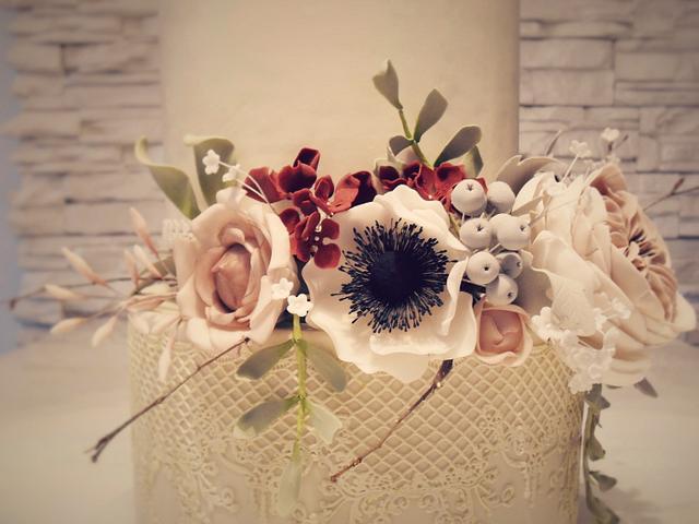 vintage floral cake