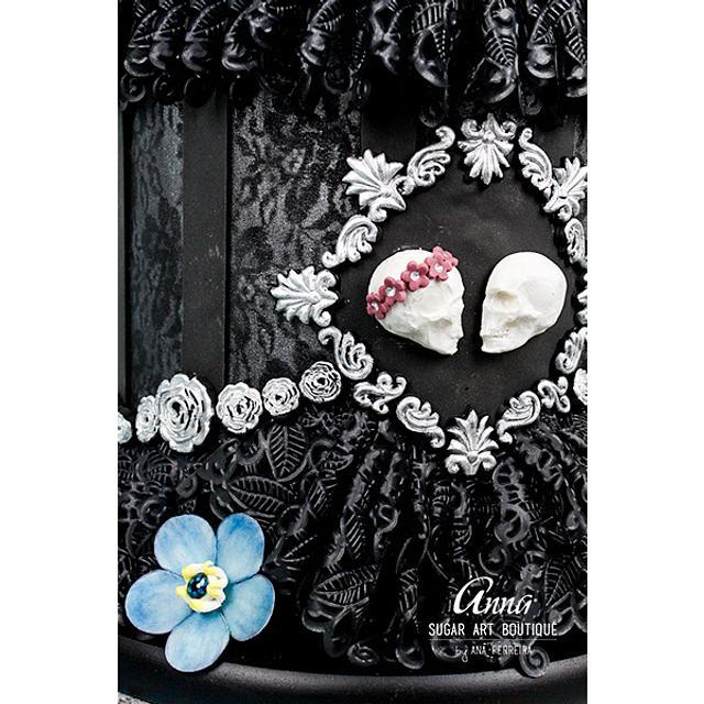 'Dark Wedding' - Gothic Wedding Cake