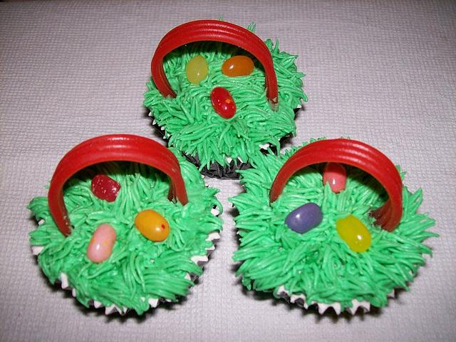 Easter Cupcakes - Basket Themed