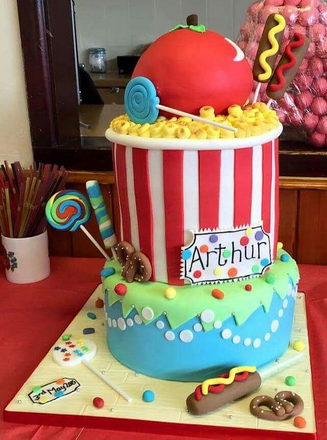 CARNICAL BABY SHOWER CAKE