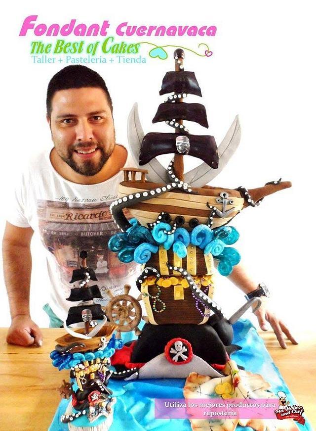 TOWER CAKE PIRATAS CON ISOMALT