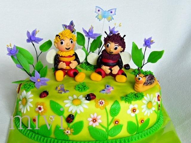 cake bumblebees