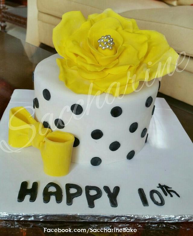 Yellow flower cake
