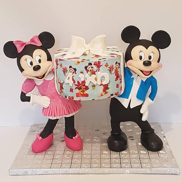 Mickey & minnie birthday cake