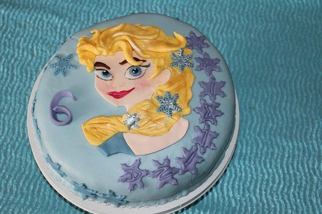 Cake with Elsa