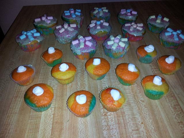 marshmallow rainbow cupcakes