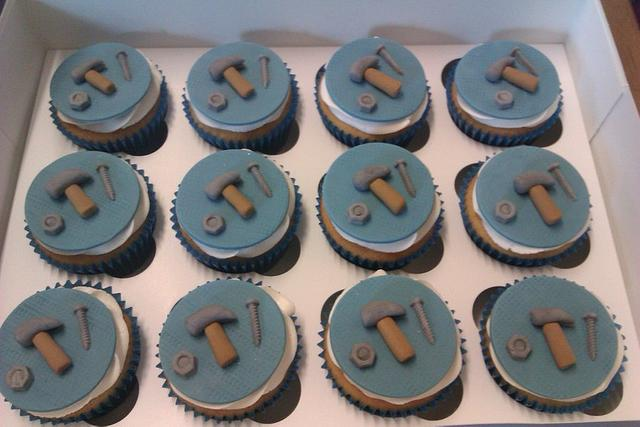 male cupcakes