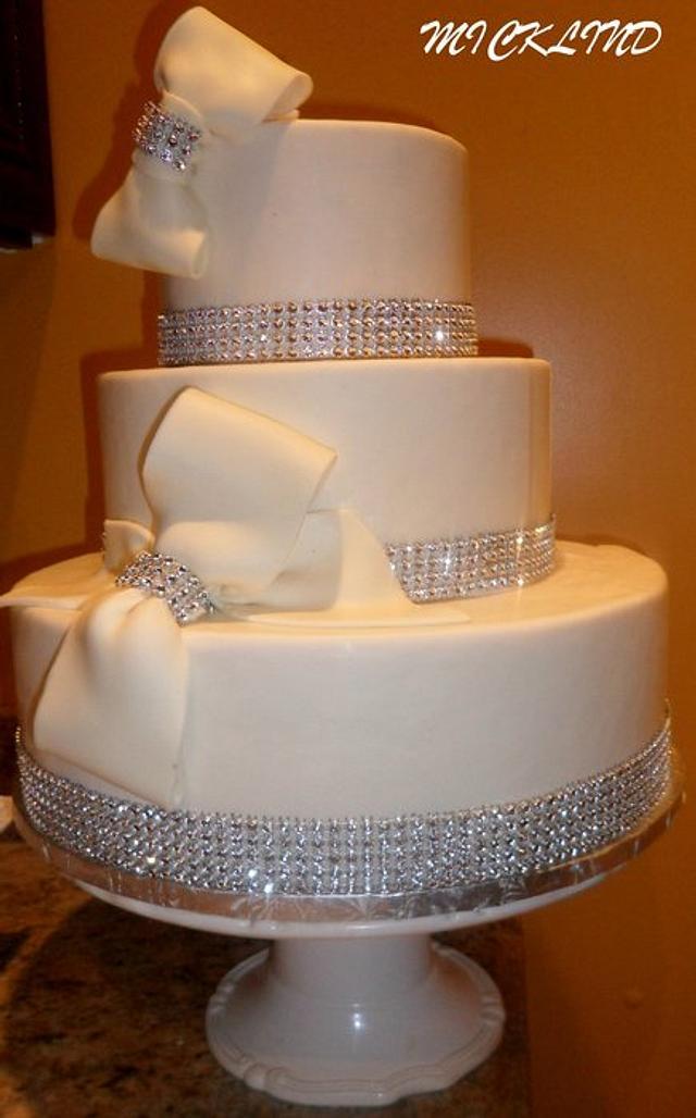 BOWS & RHINESTONE WEDDING CAKE