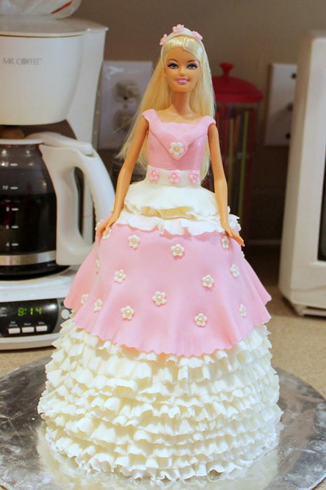 My first Barbie Cake