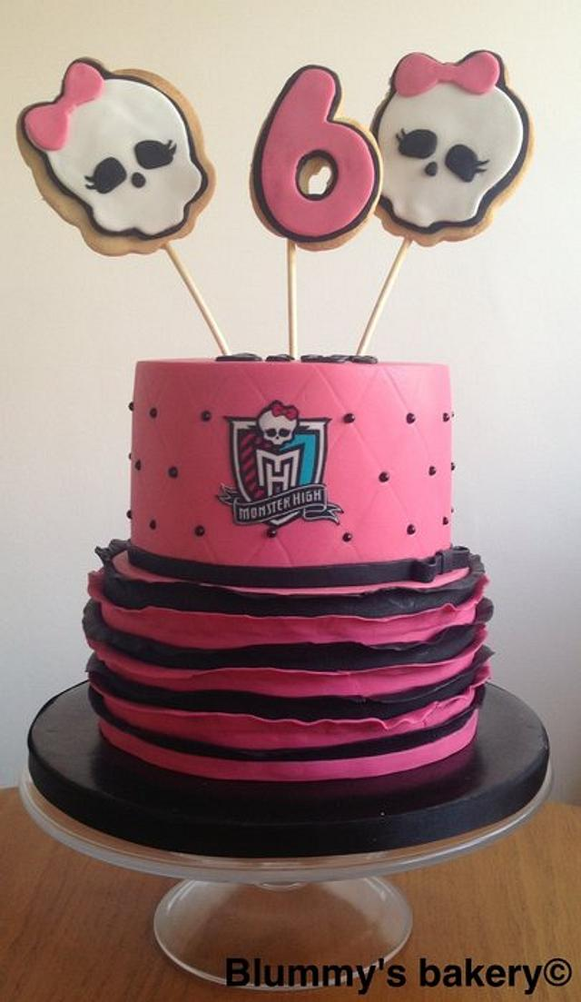 Pleasant Monster High Birthday Cake Cake By Blummysbakery Cakesdecor Funny Birthday Cards Online Fluifree Goldxyz