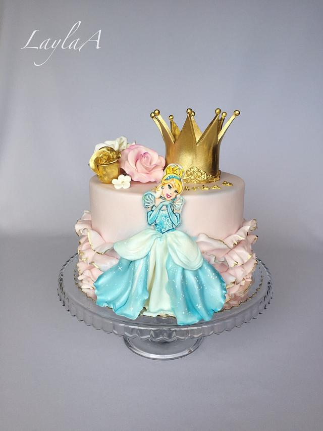 Swell Cinderella Birthday Cake Cake By Layla A Cakesdecor Funny Birthday Cards Online Overcheapnameinfo