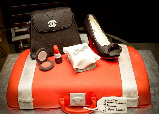 material girls theme cake