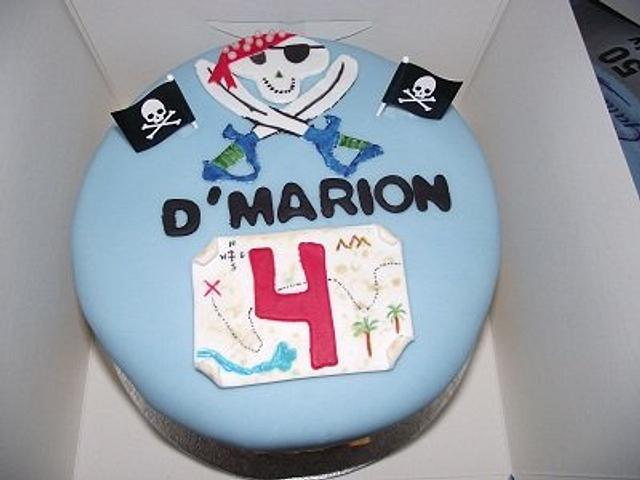 Pirate theme cake with matching cupcakes