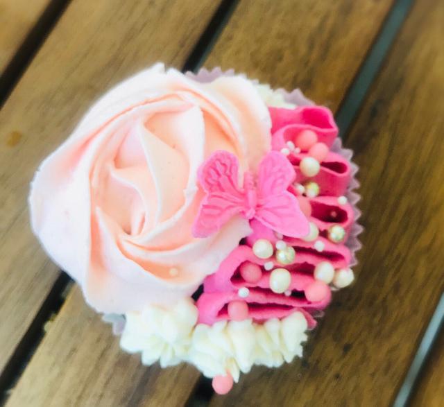 Wedding cupcakes 🧁