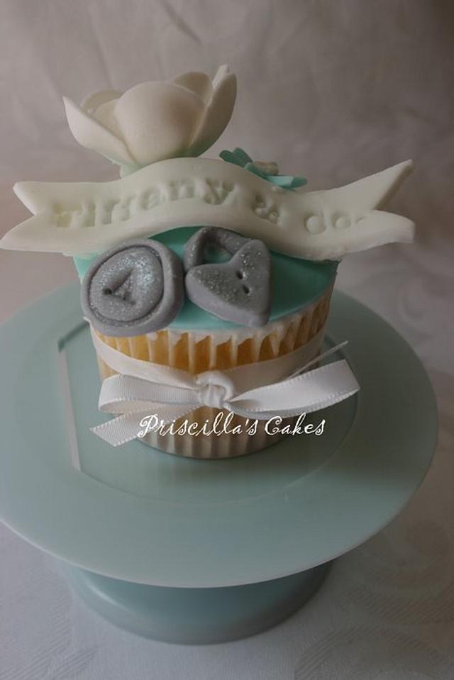 Tiffany inspired cupcake