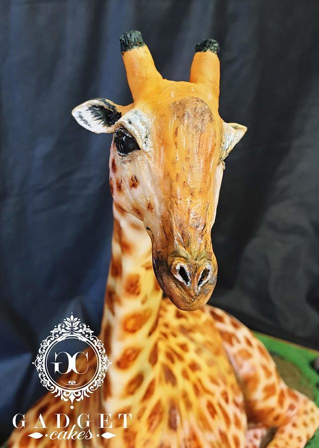 3D sculpted Giraffe Cake