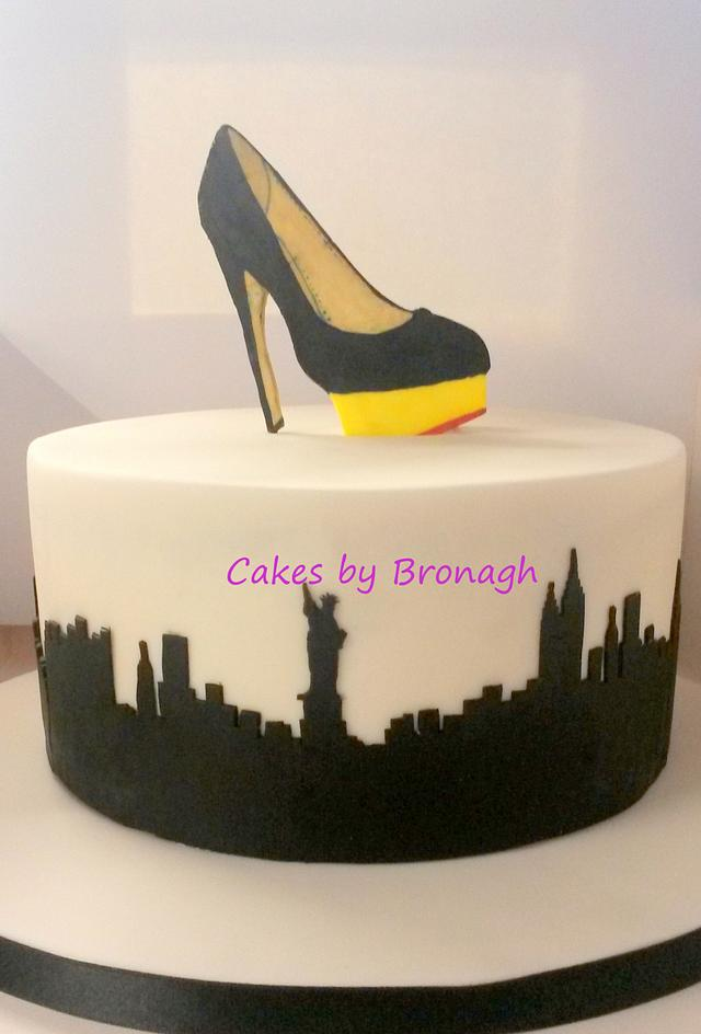 New York shoe cake