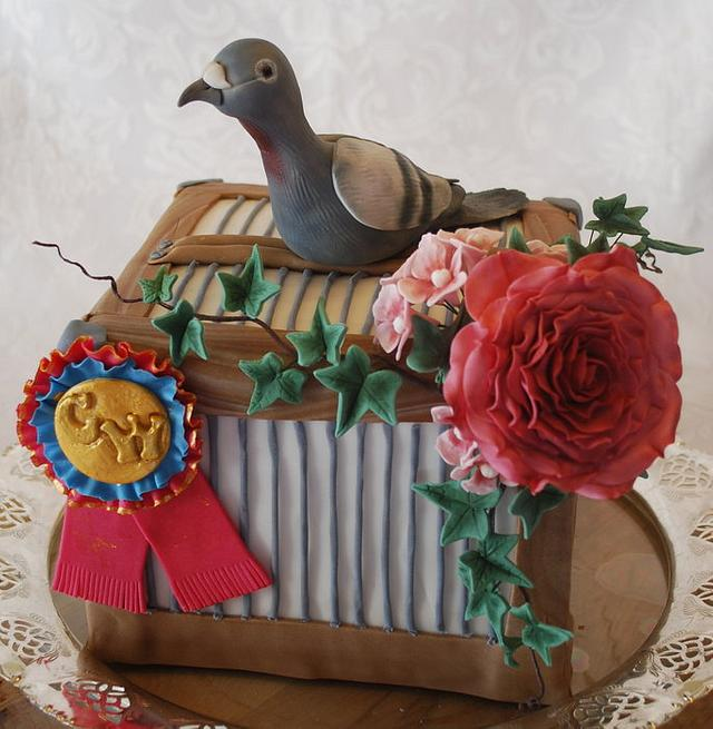 Carrier-pigeon-cage cake!