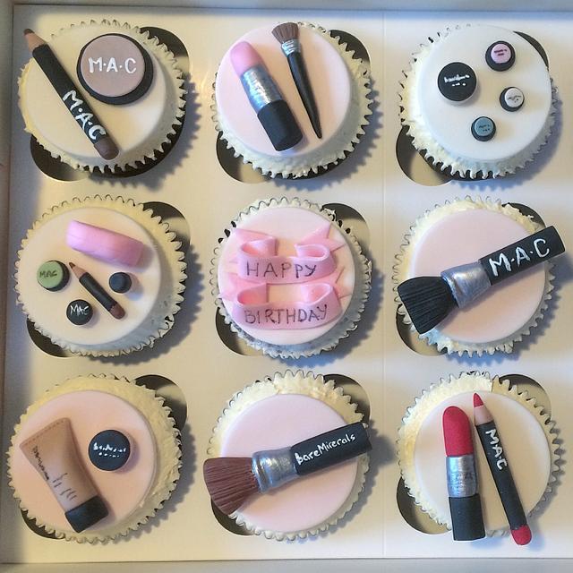 Make up cupcakes