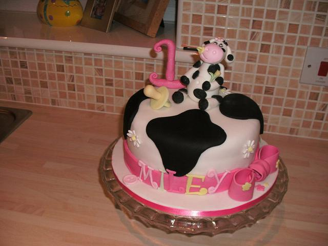 Miley Moo - Cow Cake