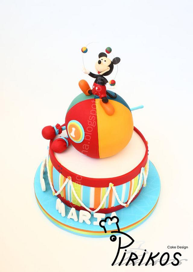 Mickey, the juggler