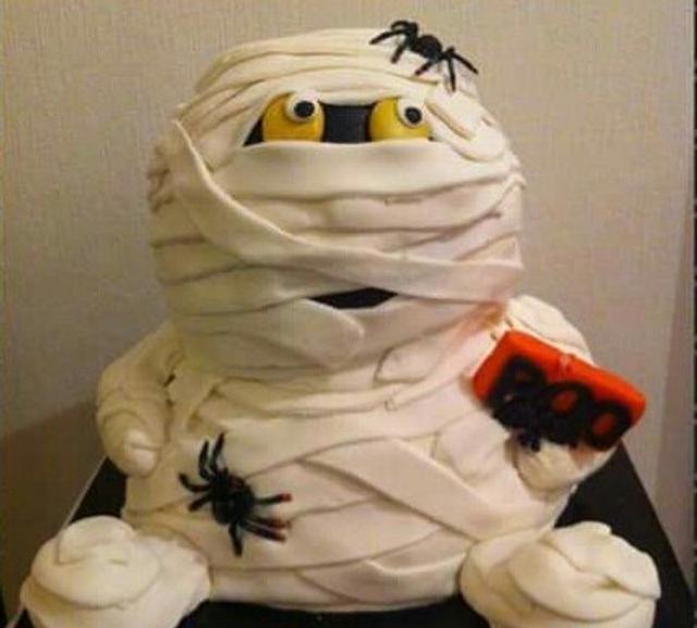 Halloween mummy cake 3d