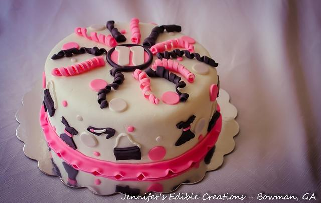 Amazing Girly Birthday Cake Cake By Jennifers Edible Creations Cakesdecor Personalised Birthday Cards Beptaeletsinfo