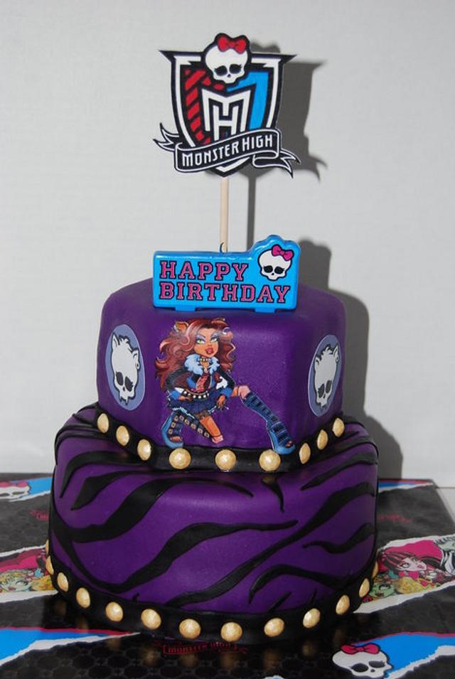 Monster High:  Clawdeen Wolf Cake