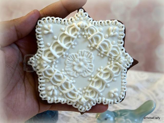 Overpiped Lace Cookie
