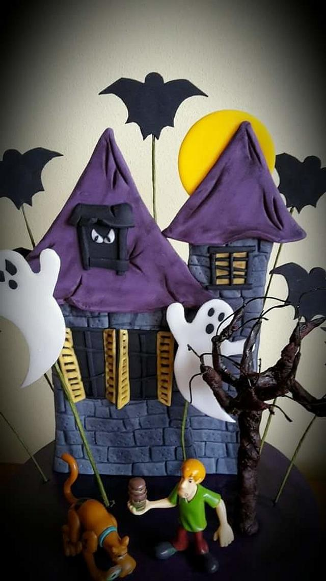 Scooby and Shaggy haunted castle