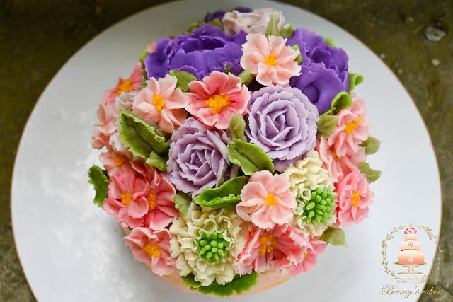 Cake with bean paste flowers