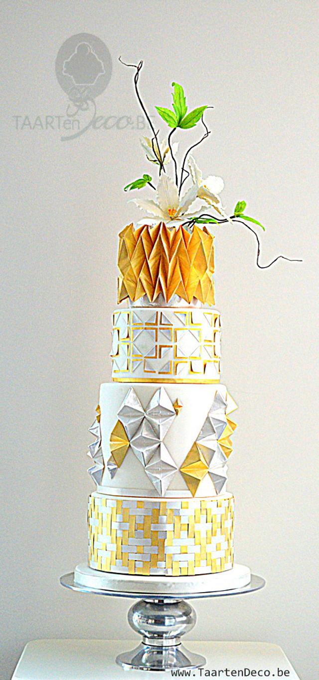 gold silver white cake with clematis