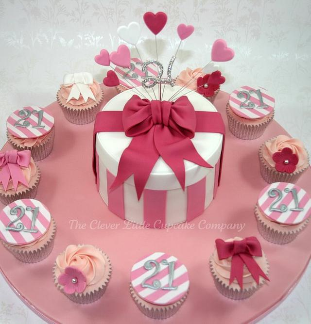 Hat Box Cake with Matching Cupcakes
