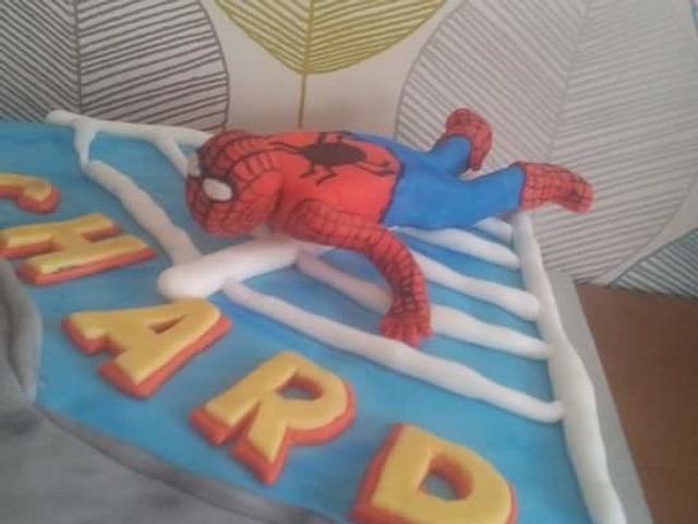 Spiderman skyscrapers 30th Cake