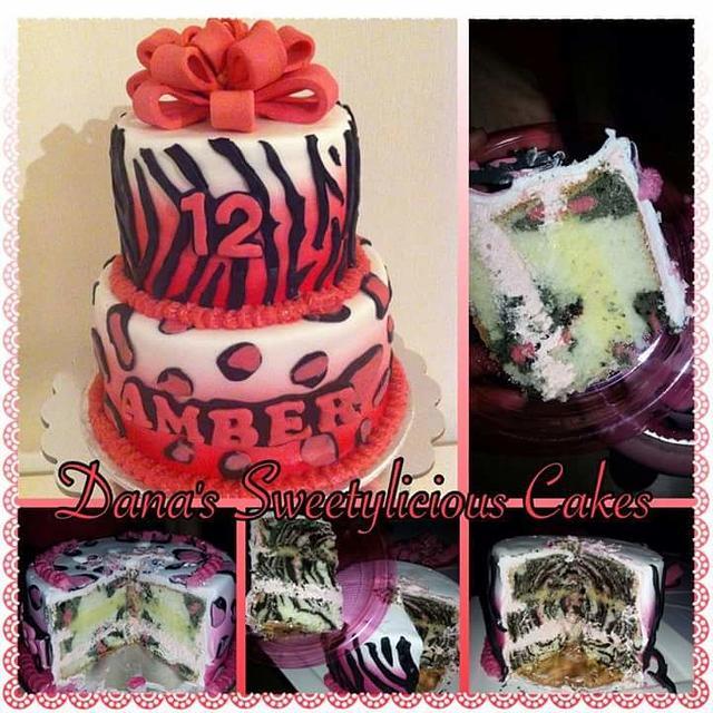 Zebra and leopard cake inside en outside