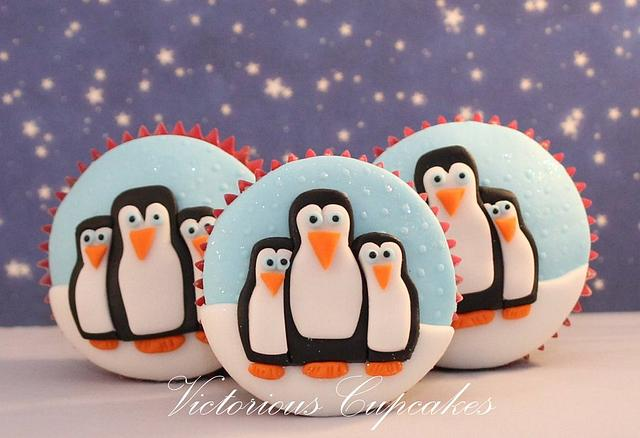 Marching of the penguins cupcakes step by step