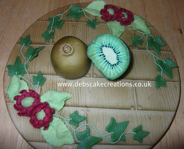 marzipan kiwi