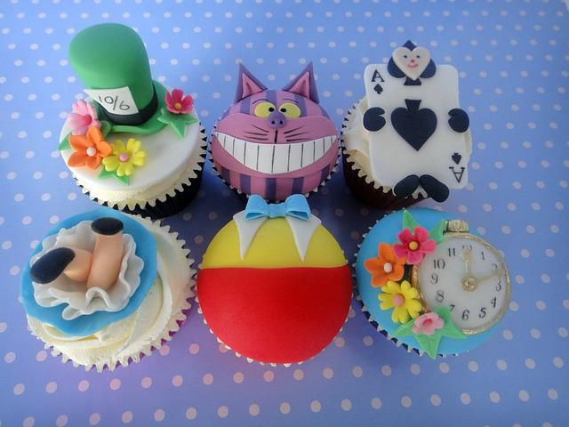 Mad Hatter Style Cupcakes