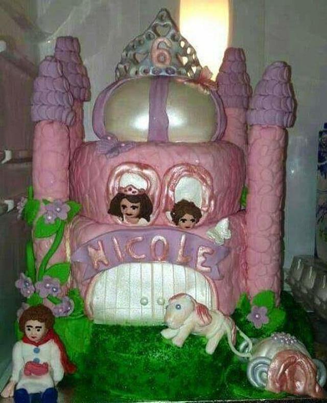 Castle cake all edible
