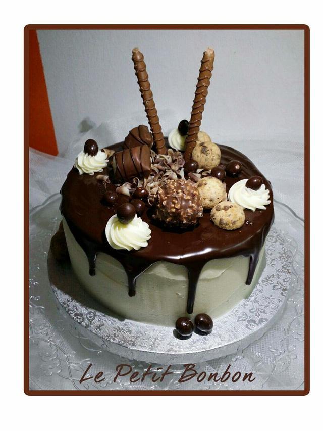 Drip Cake  - Chocolate bomb
