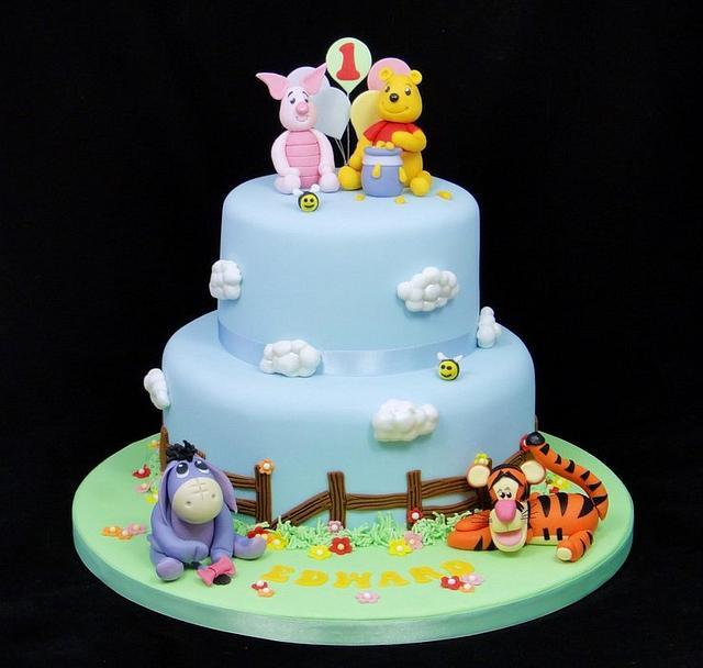 Astonishing Winnie The Pooh Birthday Cake Cake By Ceri Badham Cakesdecor Funny Birthday Cards Online Necthendildamsfinfo