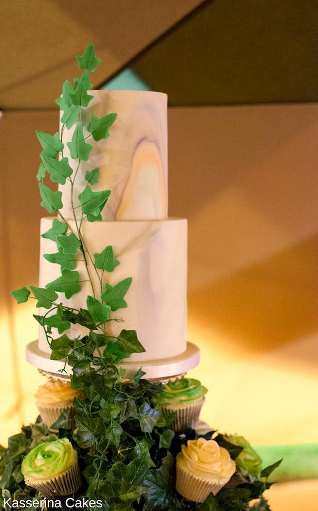 Overgrown ivy cake tower
