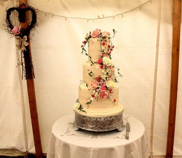 Cottage Garden Flowers Wedding Cake