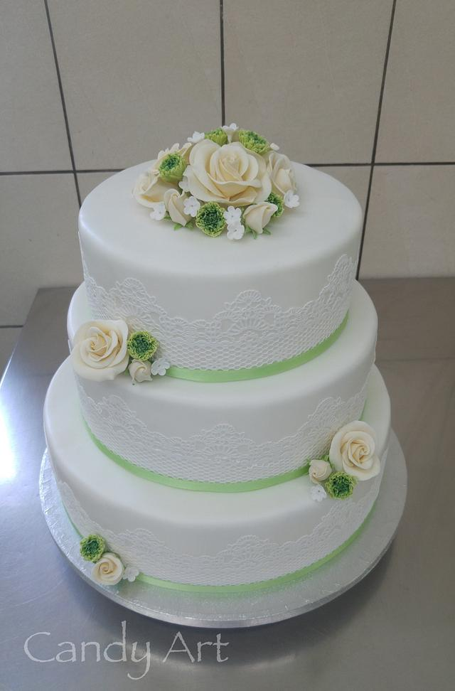 Simple romantic wedding cake