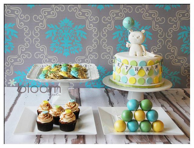 1st birthday sweet table