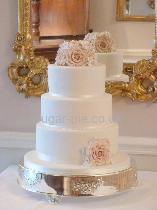 Amnesia Rose wedding cake