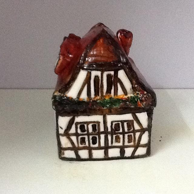 traditional house cake