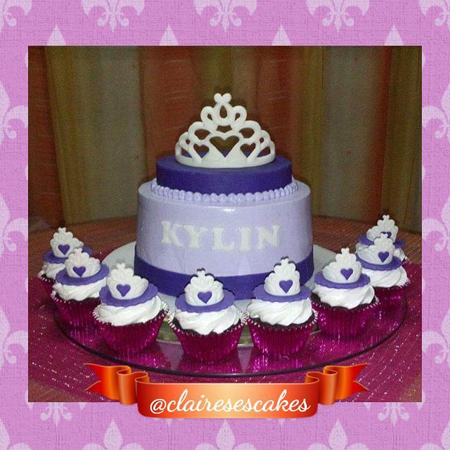 Princess themed cake and cupcakes