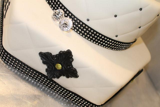"Fashion Cake ""Birthday Cake"""
